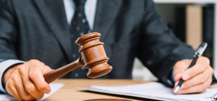 تفاوت وکیل کیفری و وکیل حقوقی چیست؟