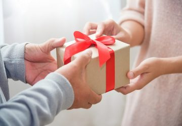 نحوه استرداد هدیه های دوران نامزدی